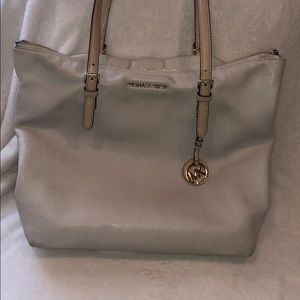Micheal Kors Pebbled Leather Tote